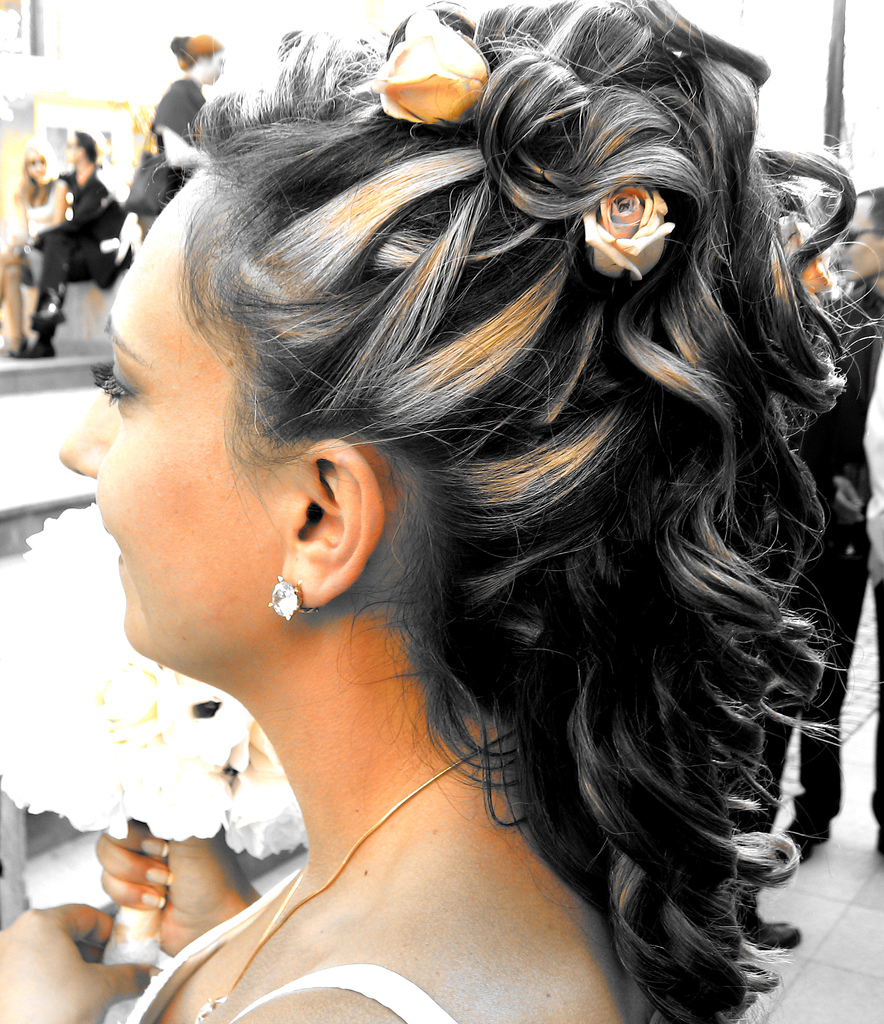 Beautiful Hair Style In Wedding: Updo Hairstyles For Long Hair
