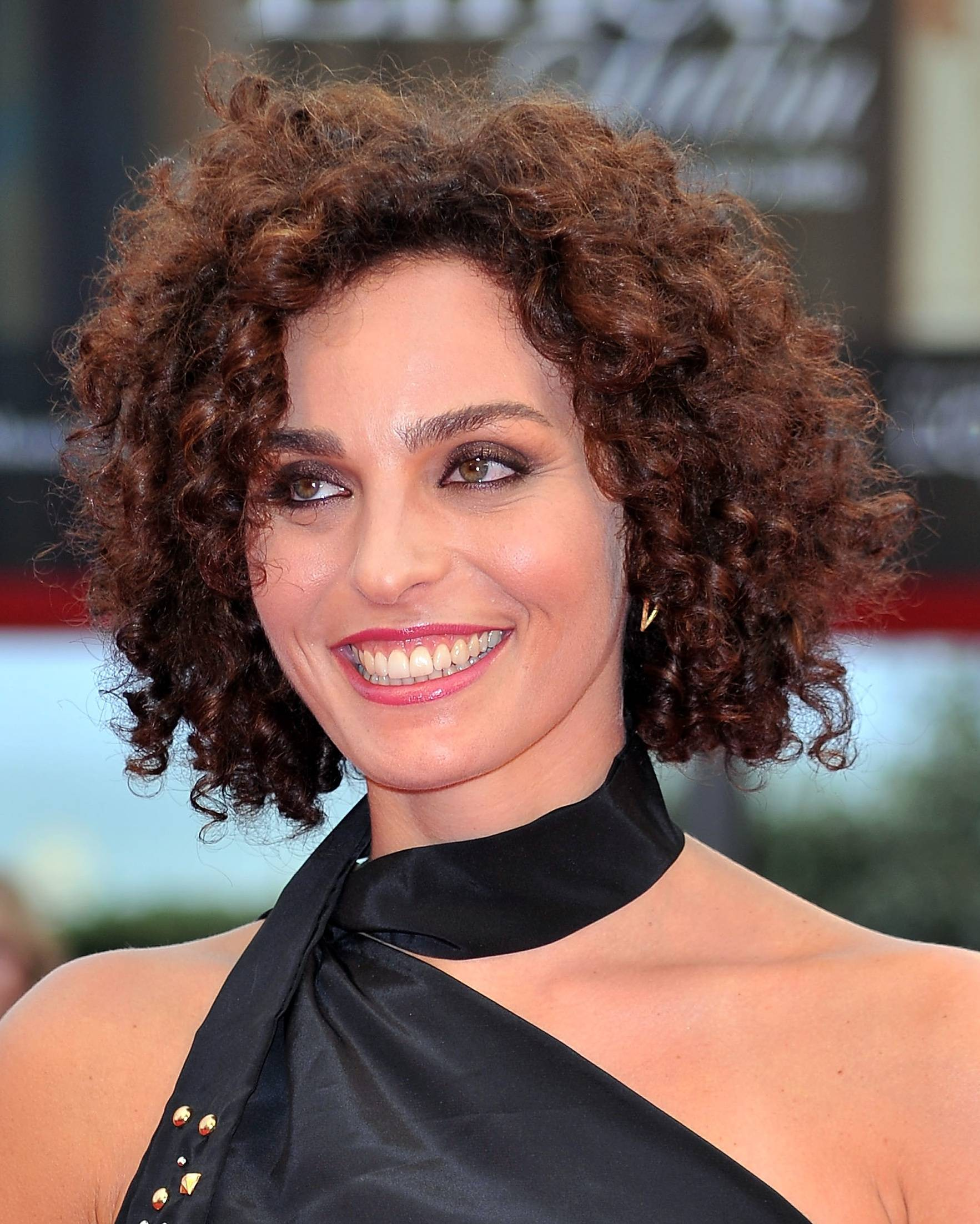 Popular Short Haircuts For Curly Hair Best Short Hair Styles