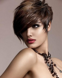 Short Hairstyles For a Long Face
