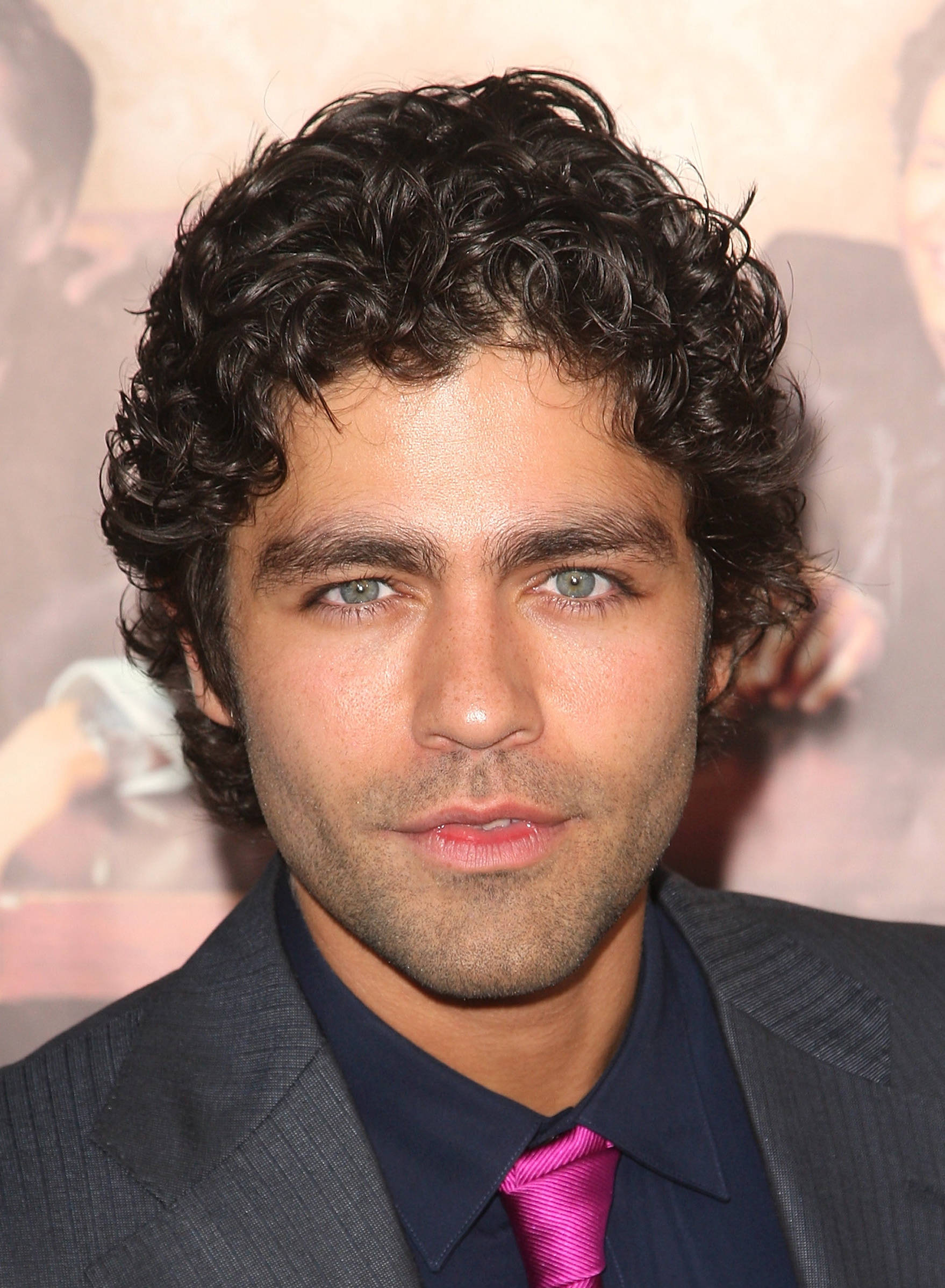 Curly-Hairstyle-For-Men.jpg