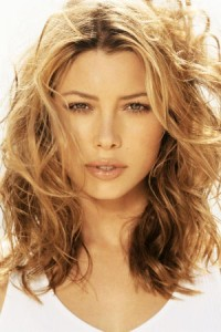 Medium Length Hairstyles For Thick Wavy Hair