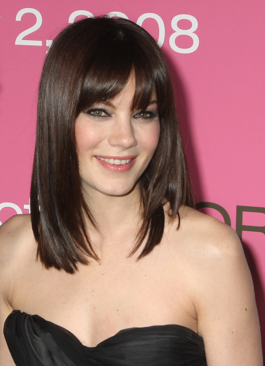 shoulder length haircuts with bangs shoulder length hairstyles beautiful hairstyles 9962