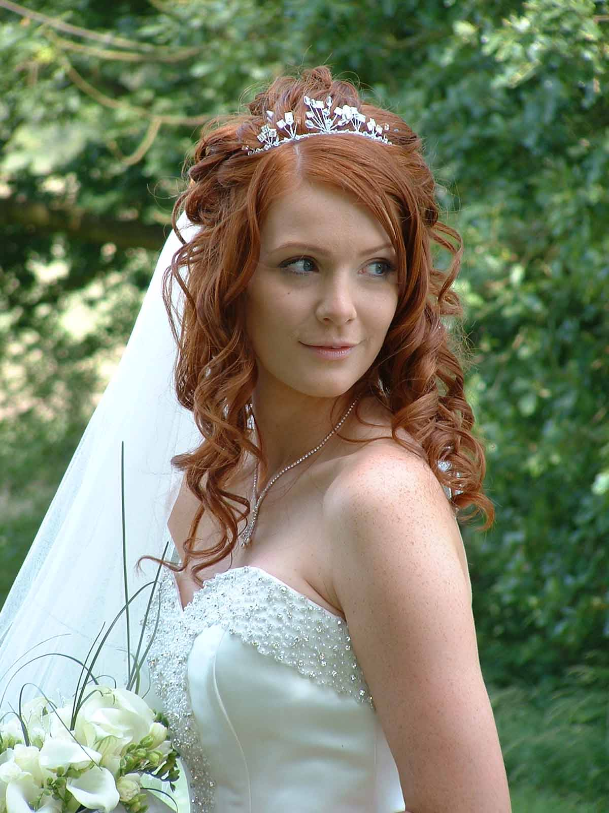 Wedding Hairstyles Curly Hair with Veil