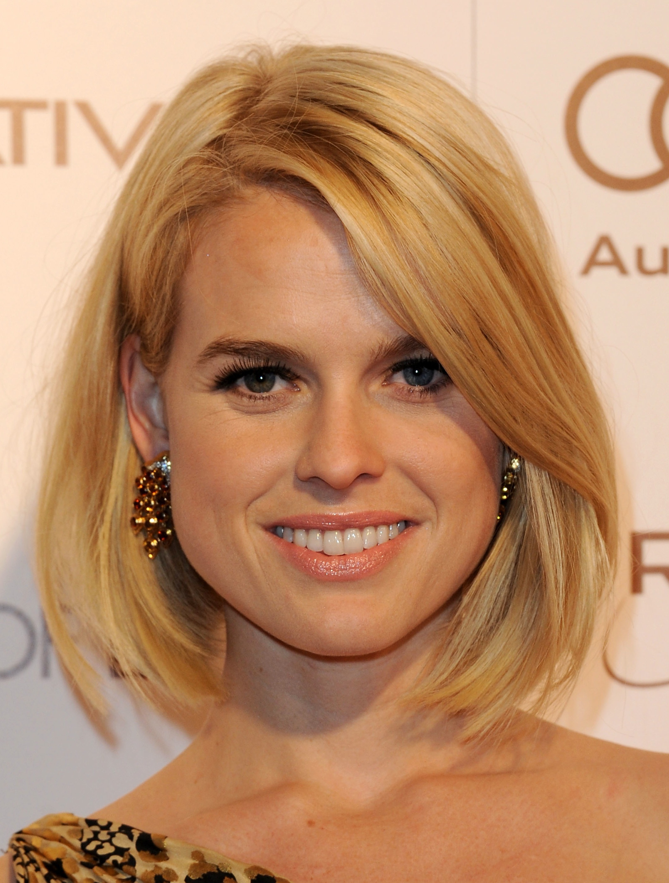 Medium Bob Hairstyles Thick Hair