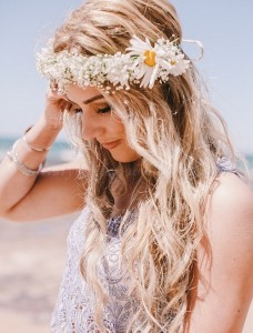 Hairstyles For Beach Weddings
